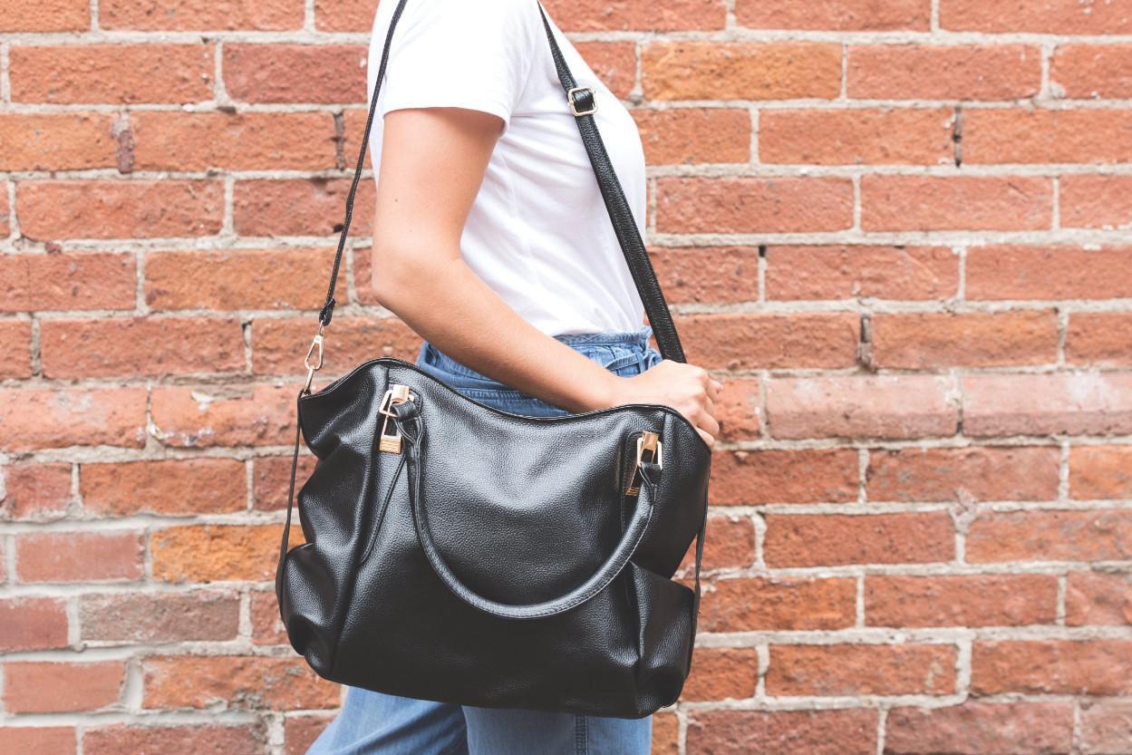 Женская кожаная сумка — символ респектабельности и хорошего вкуса